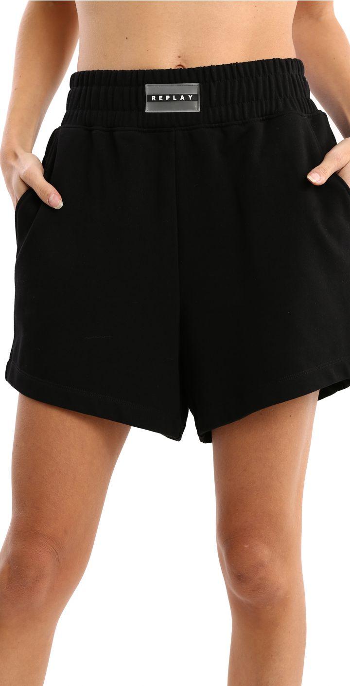 מכנסיים קצרים לוגו גדול מאחורה נשים