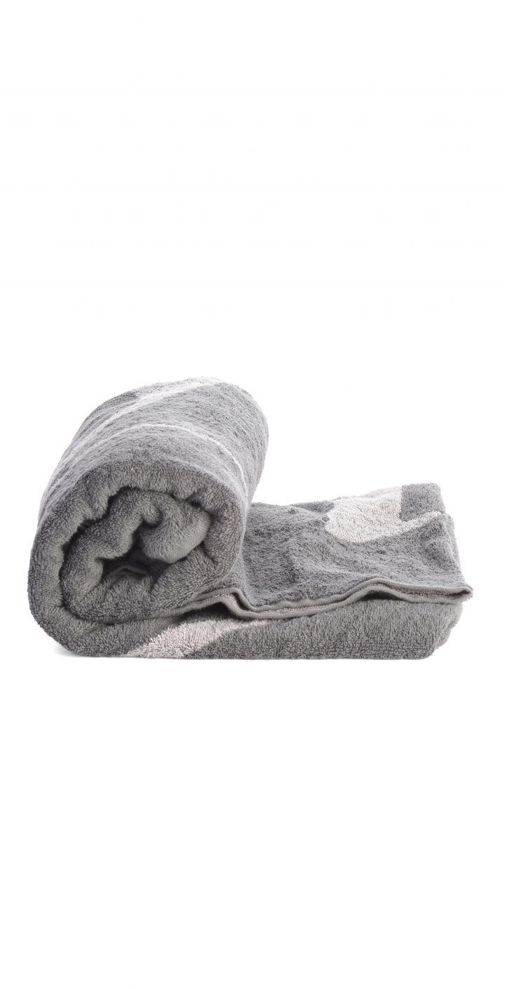 מגבת חוף לוגו גדול יוניסקס