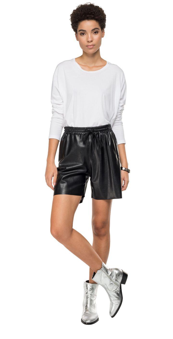 מכנסיים קצר עור נשים