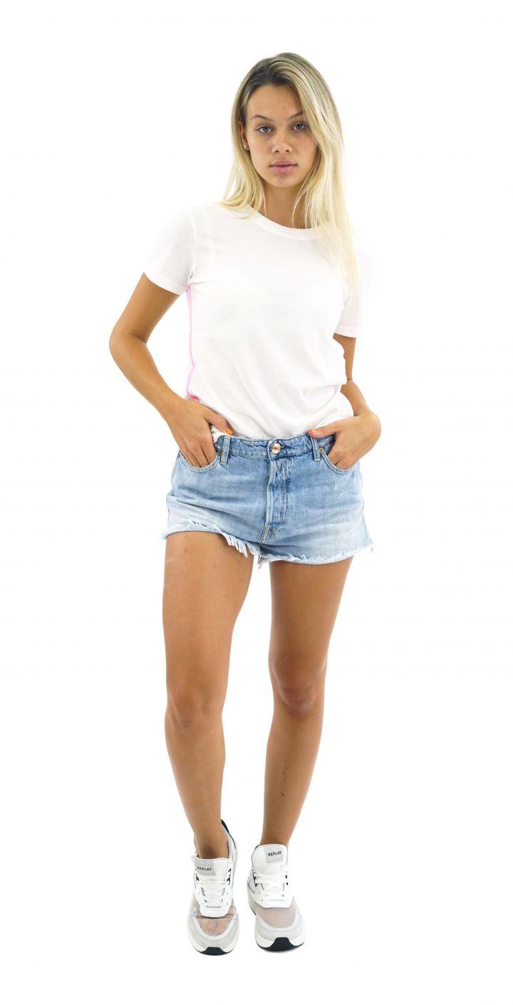 ג'ינס קצר חלק נשים